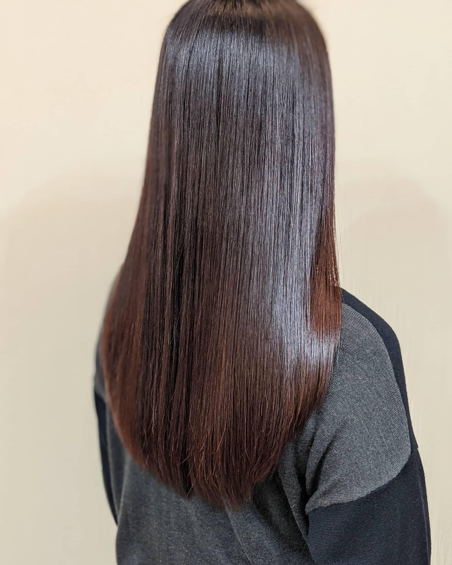 髪を綺麗にして新年度を迎えましょう(ロングの縮毛矯正)